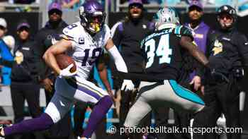 Vikings jump back in front of Panthers with two quick touchdowns