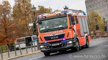 Auto fängt in Perleberg während der Fahrt Feuer - B.Z. Berlin