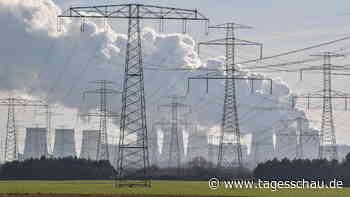 Energiepreise: Verbraucherzentrale mahnt Stromanbieter ab