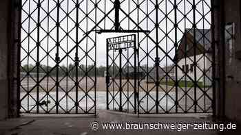 Touristen zeigen Hitlergruß vor KZ-Gedenkstätte Dachau