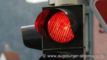 Fahrerin missachtet rote Ampel: Auf der Ackermann-Straße kommt es zum Unfall