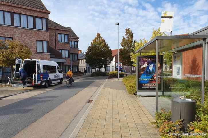 """Drugsdealer aan bushokje riskeert vijftien maanden cel: """"Ik was op vakantie in België"""""""