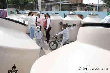 Entregan en Irapuato tinacos para un mejor almacenaje de agua - Bajioweb