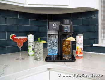 Drinkworks Home Bar Classic makes cocktails without taking much shelf space