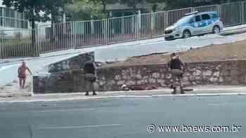 Vídeo: PM prende em flagrante suspeitos de assaltar mulheres na Avenida Garibaldi   Polícia - BNews