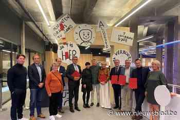 Kamagurka viert 65ste verjaardag met expo waarmee hij terugkeert naar zijn Nieuwpoortse roots