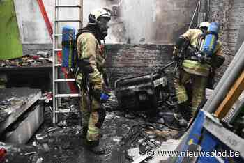 Arbeider loopt zware brandwonden op in werkplaats