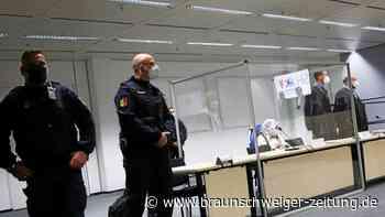 Gerichtsprozess gegen KZ-Sekretärin: 96-Jährige angeklagt