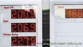 Spritpreis treibt Autofahrer über die Grenze