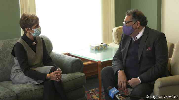 Outgoing Calgary mayor meets with incoming mayor as new city council takes shape