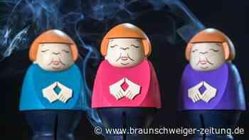 Allerlei Merkel-Nippes und die allgegenwärtige Raute
