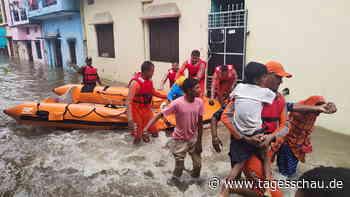 Indien und Nepal: Mindestens 128 Tote bei Überschwemmungen