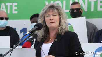 Pandemic restriction opponents line up behind Shelly Glover's bid for Manitoba PC leadership