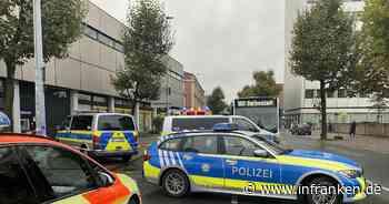 Frau bricht in Bamberg im Bus zusammen und stirbt - Schaulustige erschweren Einsatz
