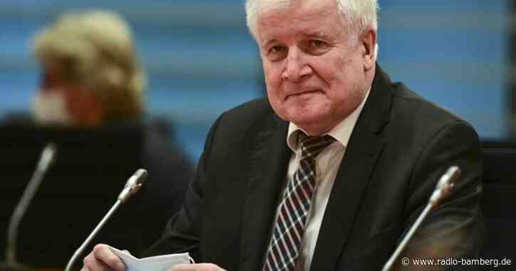 Seehofer sieht drängende Fragen in Migrationspolitik