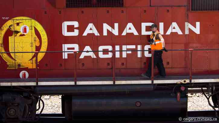 CP Rail lowers volume outlook as supply chain woes, smaller grain crop weigh on Q3