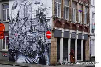 Kunstenaar vertelt oude verhalen met prachtige, huizenhoge graffiti