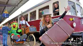 Reisende haben nur einem Ziel: das Bahnhofsfest in Haldensleben - Volksstimme