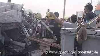 Mindestens 19 Menschen sterben bei schwerem Verkehrsunfall in Kairo