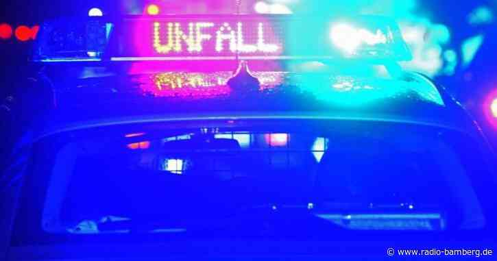 Auto landet in Bachbett: Fahrer schwer verletzt