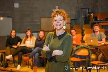 """Actrice Bianca Vanhaverbeke toert rond met komedie Weekendje Bouillon van Het Prethuis: """"Je moet werken voor elke lach"""" - Het Nieuwsblad"""