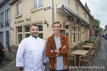 """Ober Thomas overwon kanker, nu neemt hij samen met chef Zura bistro over: """"Een droom die in vervulling gaat"""""""