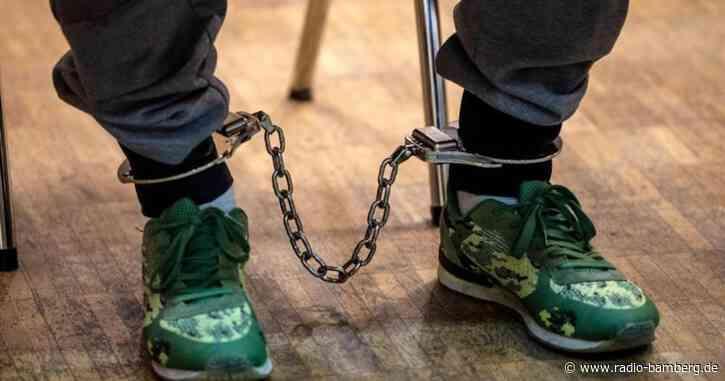 19-Jährige an Betonplatte gefesselt – Urteile erwartet