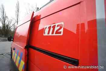 Vrachtwagen verliest gevaarlijke stof in Lommel: straat volledig afgesloten