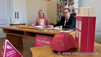 Glasfaser bis 2023: Telekom und Haldensleben unterzeichnen Kooperationsvertrag - Volksstimme
