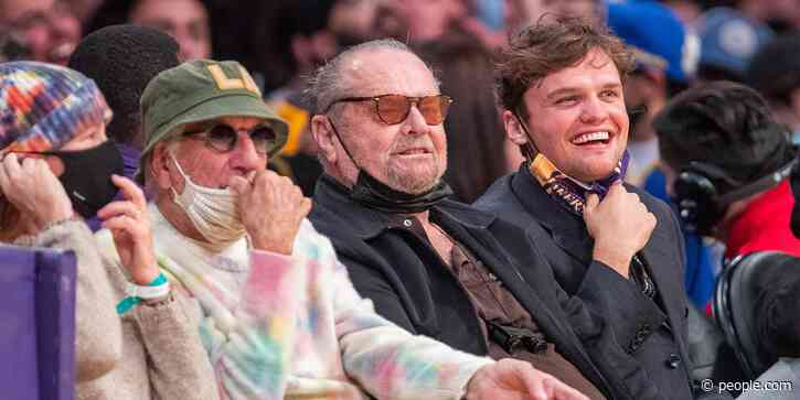 Jack Nicholson Makes Rare Public Appearance at Lakers Game for the First Time in Almost 2 Years - PEOPLE