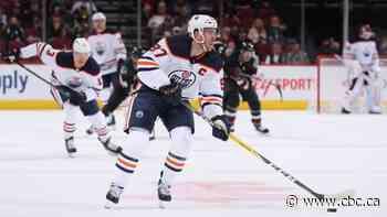 McDavid scores twice, surpasses milestone 200th goal in Oilers' big win over Coyotes