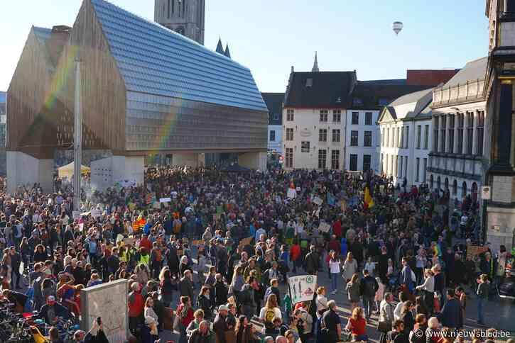 """Klimaatspijbelaars verzamelen in Gentse binnenstad, politie verwacht 1.500 jongeren: """"Onze school laat het toe, maar we moeten er wel een artikel over schrijven"""""""