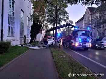 Litfaßsäule umgefahren - Radio Augsburg
