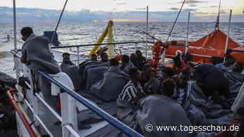 Sea-Watch 3 darf mit Geretteten in Sizilien anlegen
