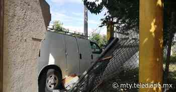 Monterrey. Conductor dormita y se impacta contra una barda - Telediario Monterrey
