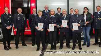 Feuerwehr Anzing: Siegfried Reinefeld erhält Ehrenzeichen
