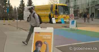 Protest at Calgary mobile vaccine clinic has nurses on edge - Global News