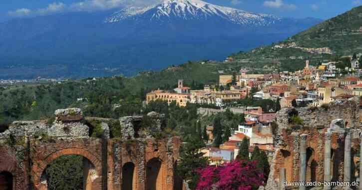 Vulkan Ätna auf Sizilien erneut ausgebrochen