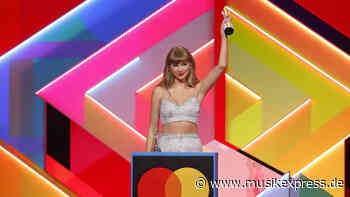Taylor Swift gibt Erscheinungstermin für RED (TAYLOR'S VERSION) bekannt - Musikexpress