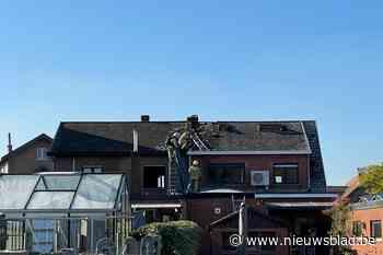 Isolatie onder dak vat vuur tijdens werken (Duffel) - Het Nieuwsblad