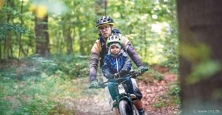 Heidelberg:  Auf E-Mountainbike-Tour mit der kleinen Tochter