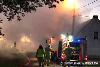 Bewoonster (92) sterft aan verwondingen na hevige woningbrand in Ruddervoorde
