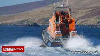 Fishing crew rescued off Shetland after breakdown