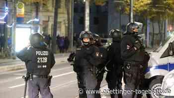 Demo-Verbot in Leipzig: Nach Polizeieinsatz kam es zu Brandstiftungen