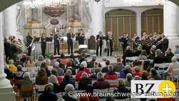 23 Posaunisten spielen in Wolfenbüttels Trinitatis