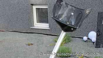 Unbekannte sprengen Briefkasten in Reinsdorf