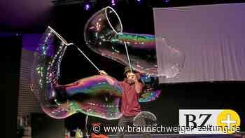 Dr. Bubbles zaubert in Wolfsburg Riesenblasen