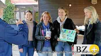 Schnitzeljagd und Spendenaktion von Schöninger Schülerinnen