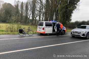 Zeventiger raakt gewond bij valpartij met fiets