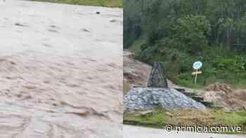 Vecinos en alerta tras crecida de río en la Colonia Tovar - Diario Primicia - primicia.com.ve